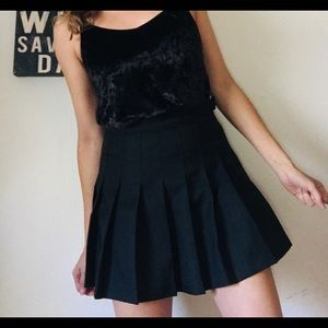 American Apparel black skirt Size M